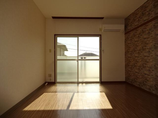物件番号: 1115185626  姫路市白国4丁目 1R ハイツ 画像1