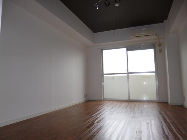 物件番号: 1115169891  姫路市梅ケ谷町2丁目 1K マンション 画像2