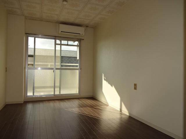 物件番号: 1115154613  姫路市白国1丁目 1R マンション 画像1
