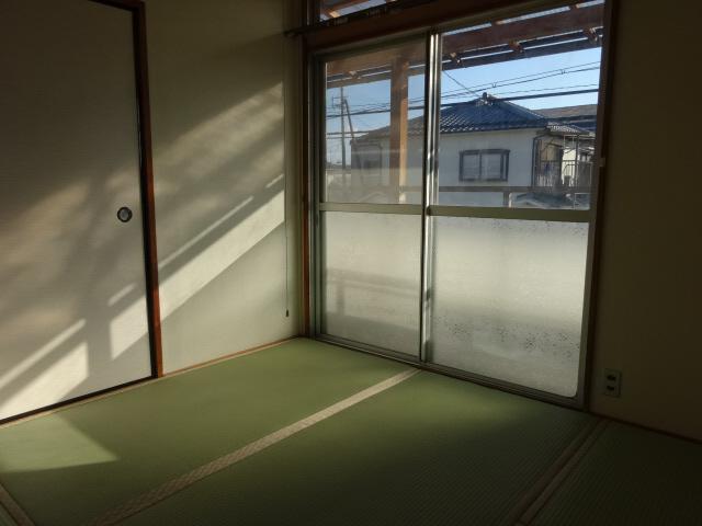 物件番号: 1115142436  姫路市中地 2K ハイツ 画像1