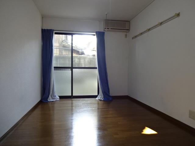 物件番号: 1115155621  姫路市白国5丁目 1K ハイツ 画像1