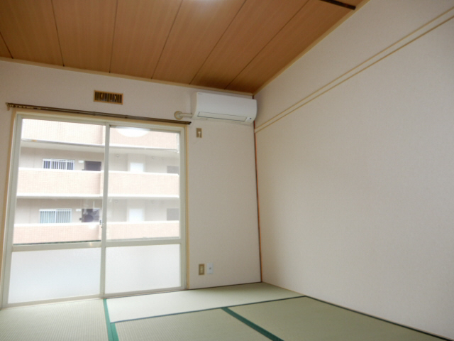 物件番号: 1115165637  姫路市砥堀 1K ハイツ 画像1