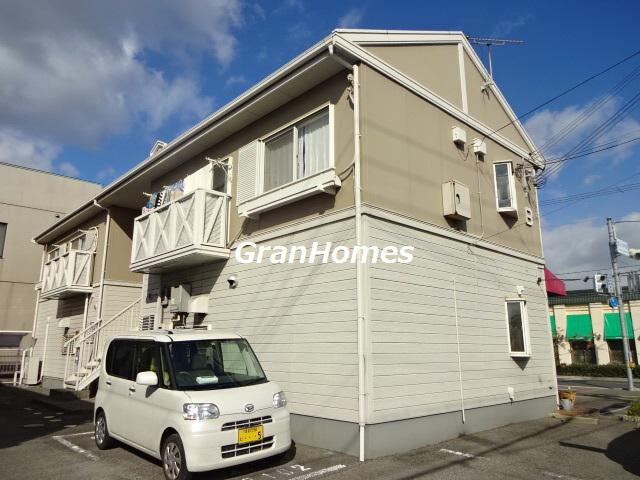 駐車場1台お家賃に込み☆山陽電鉄西飾磨駅徒歩8分です! 202の外観