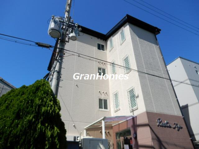 物件番号: 1115177340  加東市松沢 1K マンション 外観画像