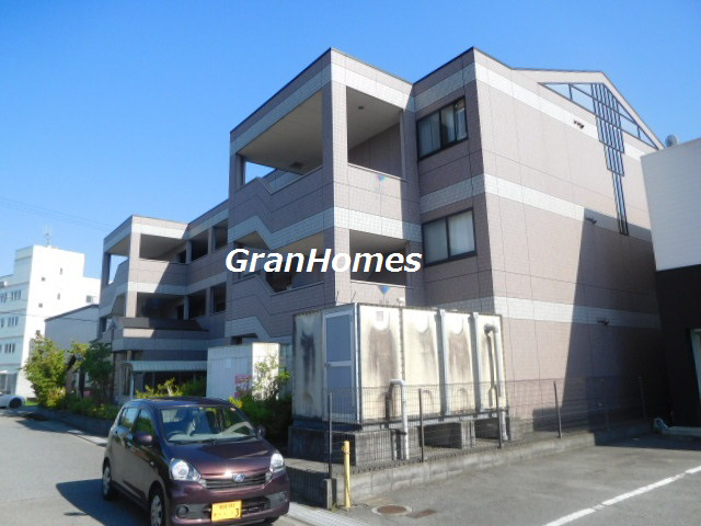 駅まで徒歩圏内 姫路バイパス南ランプ近く 閑静な住宅街です 202の外観